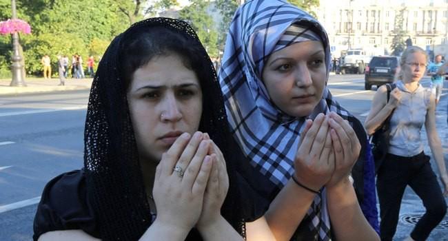 Muslim di Rusia Benar-Benar Diuji, Matahari Tak Tenggelam, Puasa pun 21-22 Jam