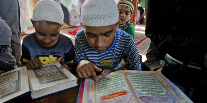 8 Cara Khatam Quran Selama Ramadan