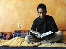 Jeewan Chanicka : Islam Membuatku Paham Tujuan Hidup
