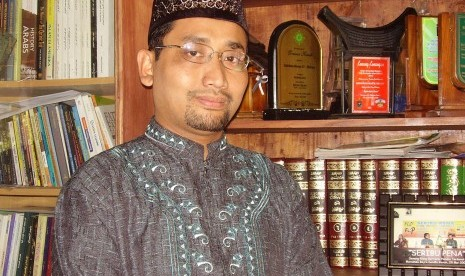 Kang Abik: Binatang Saja tak Kawin Sejenis
