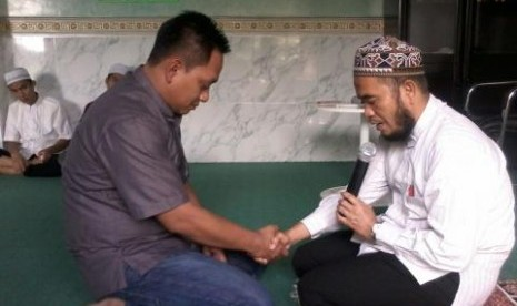 Setelah 22 Tahun Jadi Pendeta, Petrus Kali Memutuskan Masuk Islam