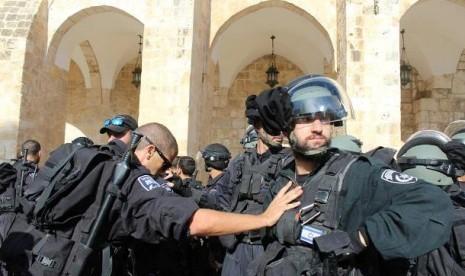 Israel Menutup Gerbang Masjid Al-Aqsa