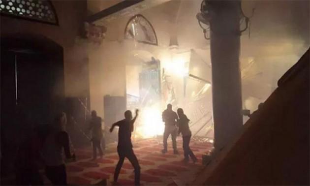 Penjajah Zionis Serbu Masjid Al-Aqsha, 110 Orang Korban
