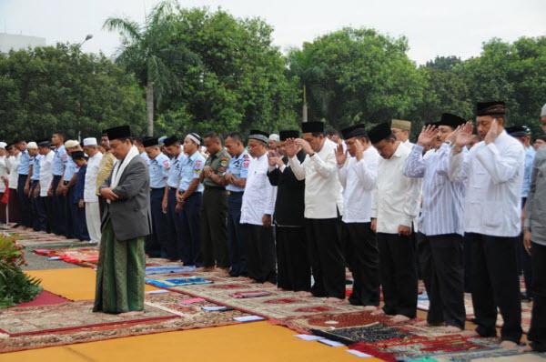 Panduan Shalat Idul Fithri dan Idul Adha