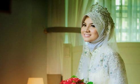 Cara Menjadi Istri Sholehah Dambaan & Idaman Suami Tiap Hari