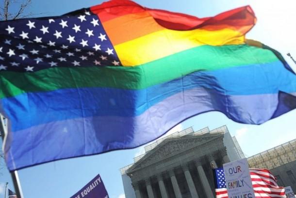 Bagaimana Muslim Bersikap Terhadap Lesbian dan Homo?