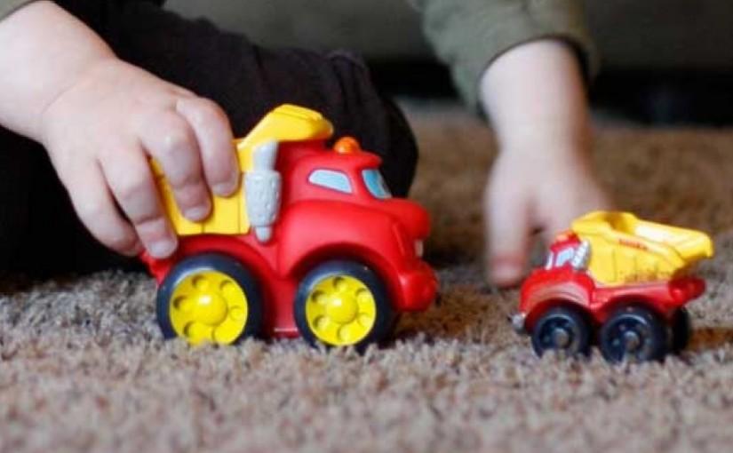 Cerdas Pilih Mainan Hindari Anak dari Kecenderungan LGBT