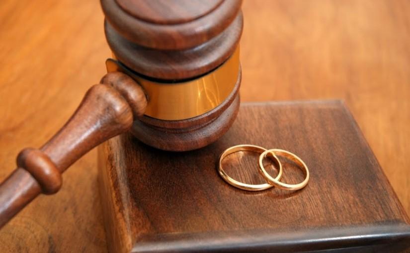 Apakah Jatuh Talak bila Seorang Suami Melaknat Istrinya?