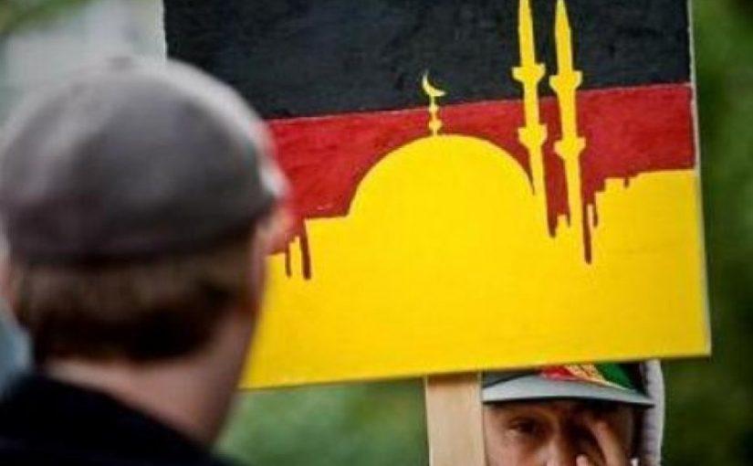 Kenali Islam, Warga Jerman Kunjungi Masjid