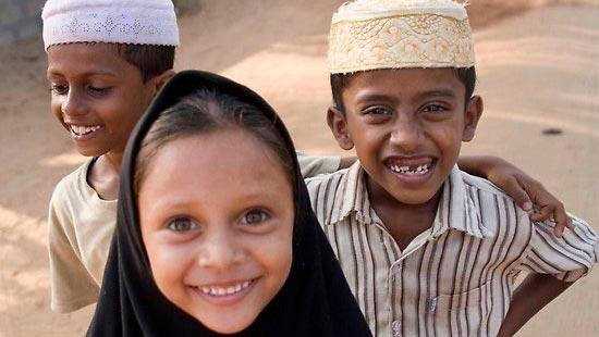 Tersenyumlah, Karena Gigimu Bukanlah Aurat