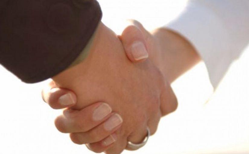 Jangan Remehkan Makna Berjabat Tangan