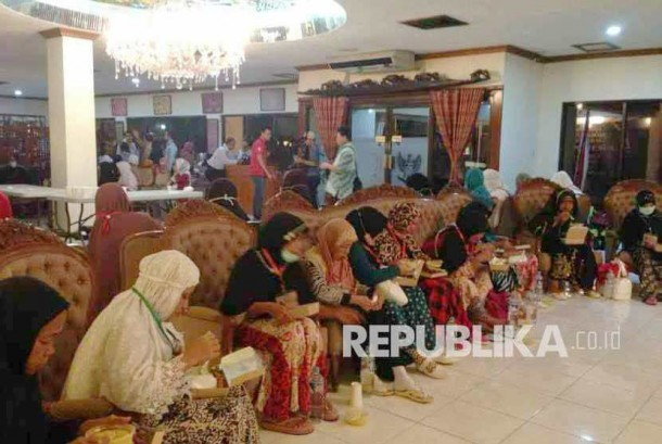 177 Calon Jamaah Haji Dalam Keadaan Baik dan Tunggu Verifikasi di KBRI Manila