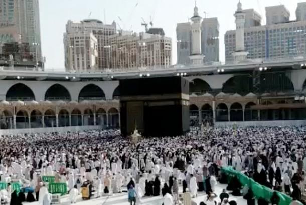 10 Tips Sehat Selama Menjalankan Ibadah Haji