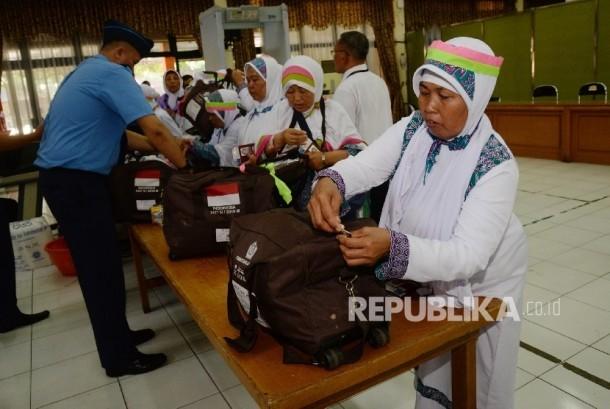 Petugas Haji Daerah Diminta tidak Bongkar Pasang Kloter
