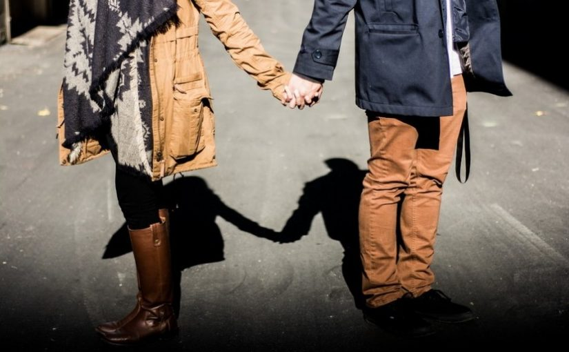 Etika Istri Bicara dengan Suami