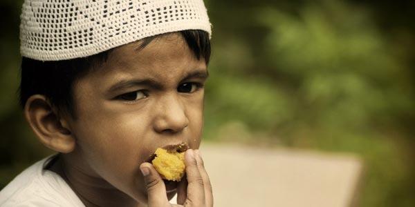 Ini Akibat Makanan Haram terhadap Anak