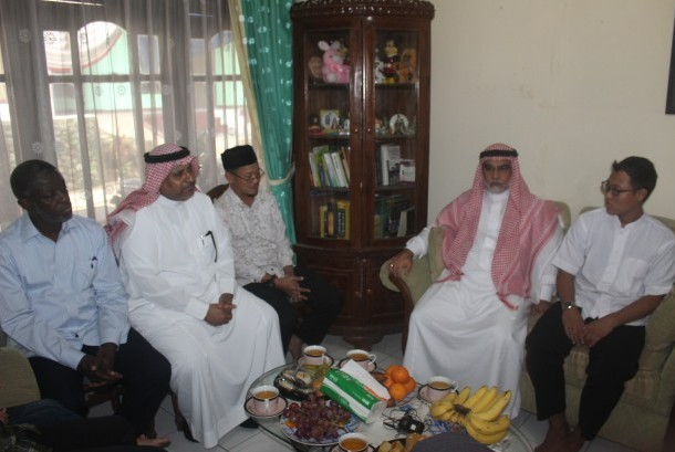 Arab Saudi Undang Istri dan Anak Damanhuri Zuhri Berhaji