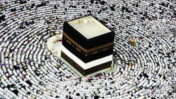 "Ketiga Orang Ini Berangkat Haji secara ""Misterius"""