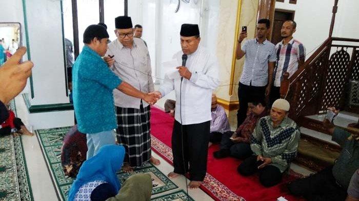 Satu Keluarga Peluk Islam di Gampong Jawa