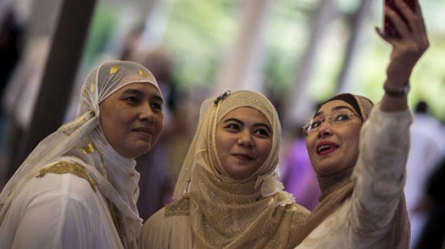 Benarkah Jilbab Tidak Wajib?