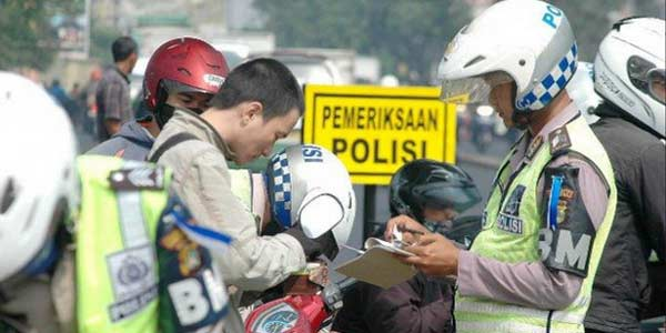 Hukum Islam bagi Pengendara yang Tak Miliki SIM