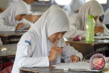 Paksa Lepas Jilbab Anak-Anak, Seorang Guru di AS Dipecat