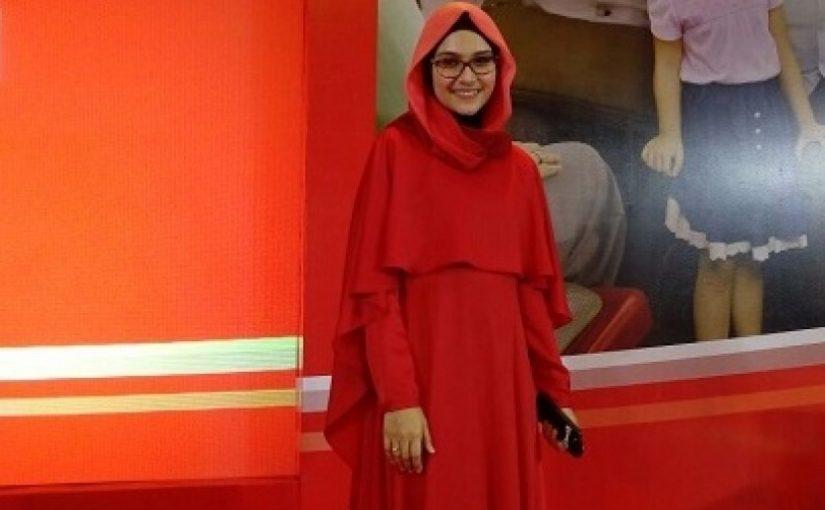 ZeeZee Shahab Mengubah Lelah Jadi Lillah