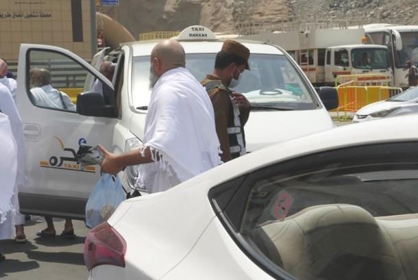 Jangan Coba-Coba Foto Polisi Makkah, Fatal Akibatnya!