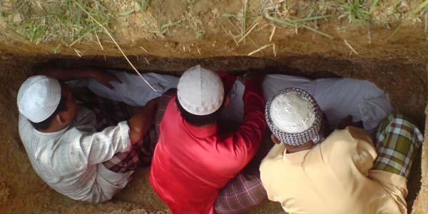 Amalan Saleh jadi Pembela Orang-Orang Mukmin di Alam Kuburnya