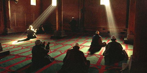 Berdosakah Lelaki yang Tak Salat Jemaah di Masjid?