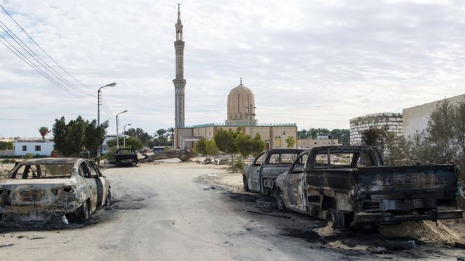 Pembantaian di masjid Sinai, Mesir: 'Pelaku membawa bendera ISIS'
