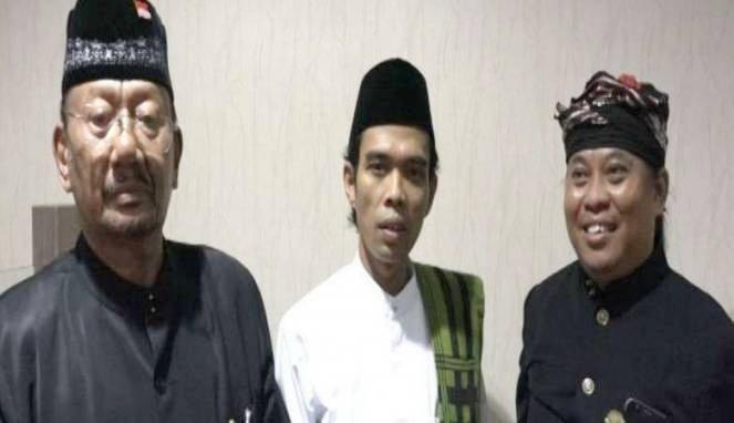 Kesaksian Raja Bali Yang Temani Ustad Abu Somad