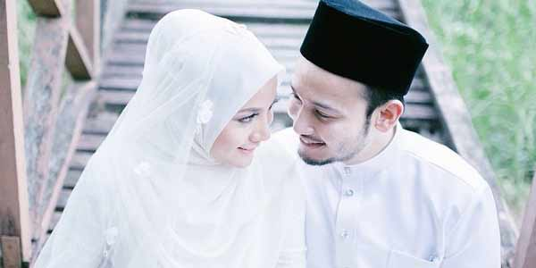 Ciri Suami Saleh Layak Diteladani Keluarga