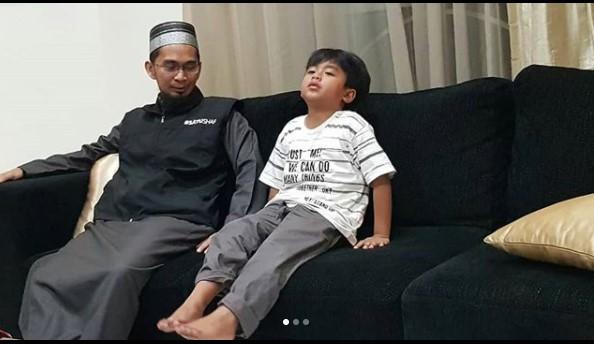 Pertemuan Terakhir Adi Hidayat Kecil dengan Ayahnya