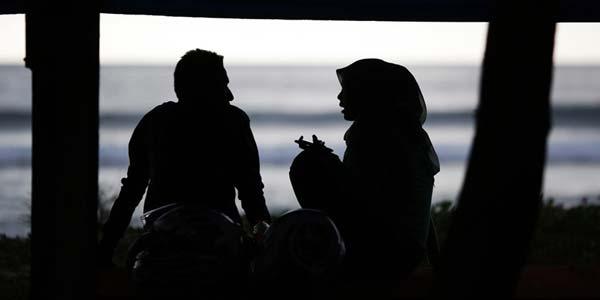 Suami Dayyuts Pendorong Istri Berselingkuh