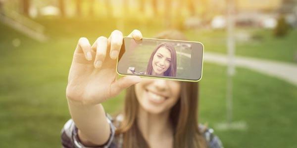 Awas! Selfie tidak Lepas dari Perasaan Ujub
