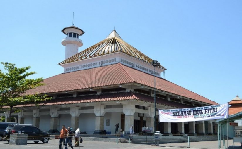 Memakmurkan Masjid Sifat Terpuji Yang Identik Dengan Iman Kepada Allah Subhanahu Wa Ta'ala