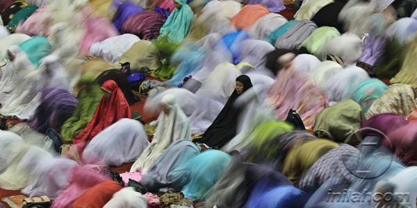 Wanita Tarawih di Masjid? Penuhi 3 Syarat ini!