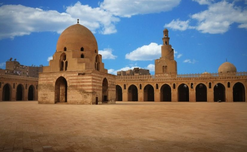 Lihatlah Masjid Ibn Tulun di Kairo