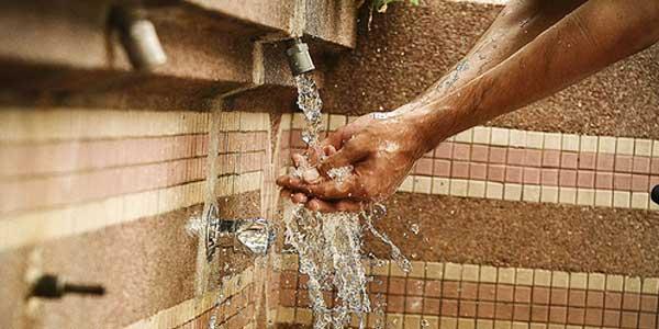Mazhab Syafi'i Makruhkan Hapus Air Wudu