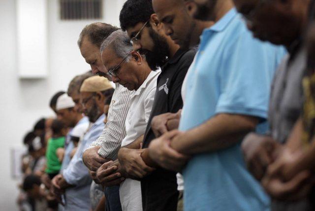 Tak sanggup laksanakan Haji dan Umrah? Perbanyaklah Amalan Ini (Bagian 2)