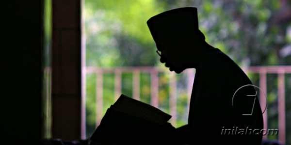Memuliakan Akhlak dengan Membaca Alquran