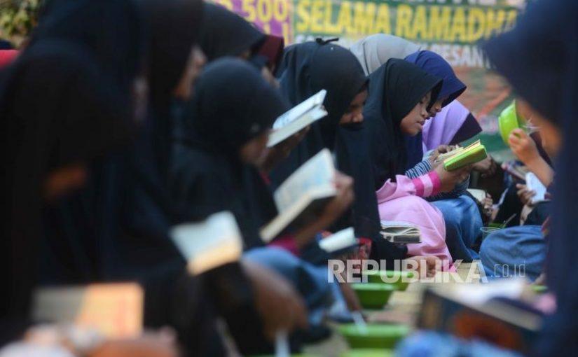 Alasan Mengapa Muslimah Dituntut Pintar dan Menguasai Ilmu