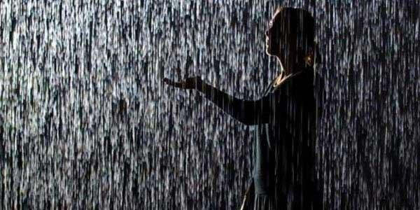 Hukum Mandi Hujan Sunah, Benarkah?