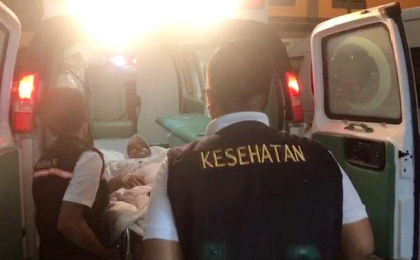 Jemaah Haji Sakit Diberangkatkan ke Makkah dengan Ambulans