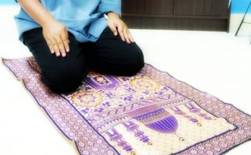 Fatwa Ulama: Menjamak Shalat Jumat Dan Shalat Ashar