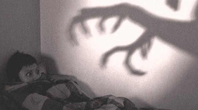 Saat Mimpi Buruk, Mengapa Dianjurkan Meludah ke Sebelah Kiri? Ini Penjelasan Ulama