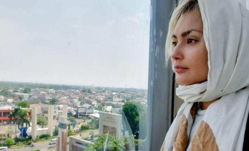 Audur Linda Sonjudottir Jadi Mualaf Saat di Indonesia