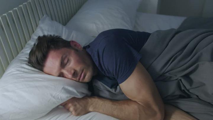 Saat Puasa Hindari Tidur di Tiga Waktu Ini