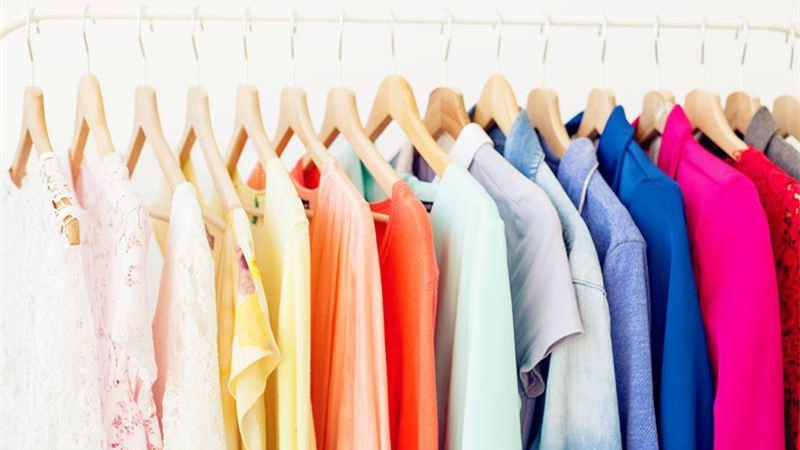 Hukum Memberikan Pakaian Bekas, Apakah Boleh?